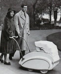 Луиза Райнер с новорожденной дочерью